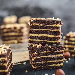 Hazelnut cake bars