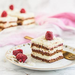 No-bake coconut, white chocolate and raspberry cake